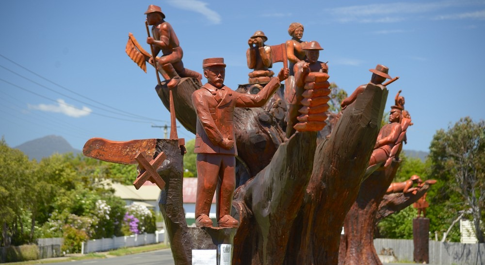 Legerwood ANZAC memorial tree carvings