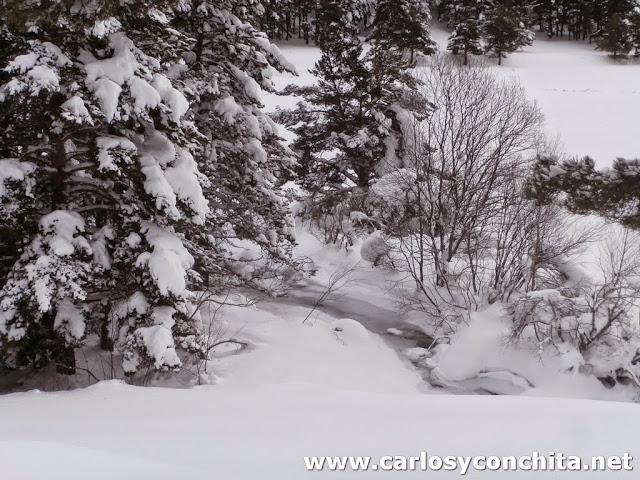 El rio Galba, helado y cubierto de nieve