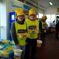 21st March 2014, Tesco, Trowbridge.  BoA Lions Collecting for the Marie Curie Daffodil appeal