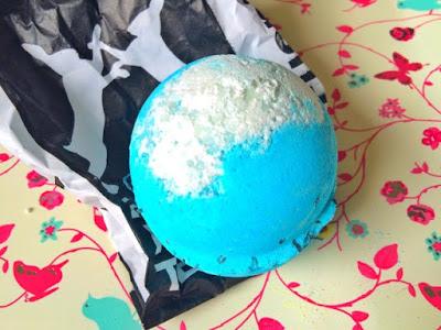Big blue bath bomb from Lush