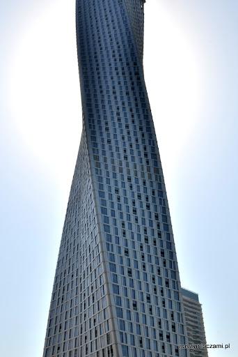 Pod względem ilości drapaczy chmur i ich nowoczesnej architektury Dubaj przebija nawet Nowy Jork