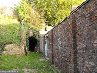A bit tidier now in the forgotten quiet corner behind the engine house. Oct 2010