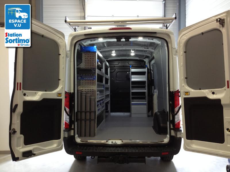 Berühmt Aménagement pour un Transit L3H3, véhicule utilitaire Ford d'une  TY72