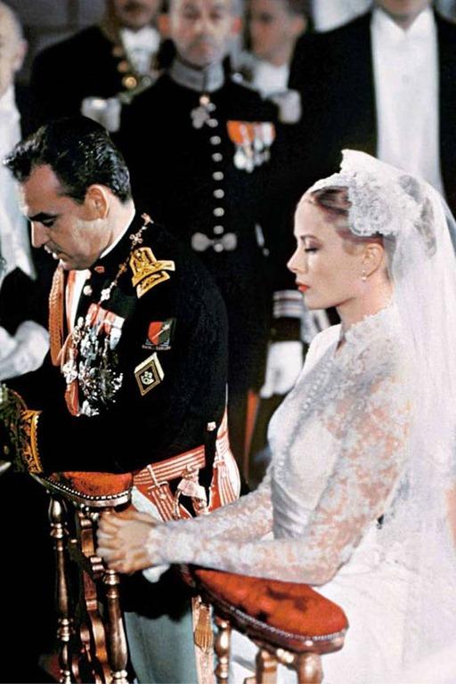 Grace Kelly y Rayniero de Mónaco en su boda