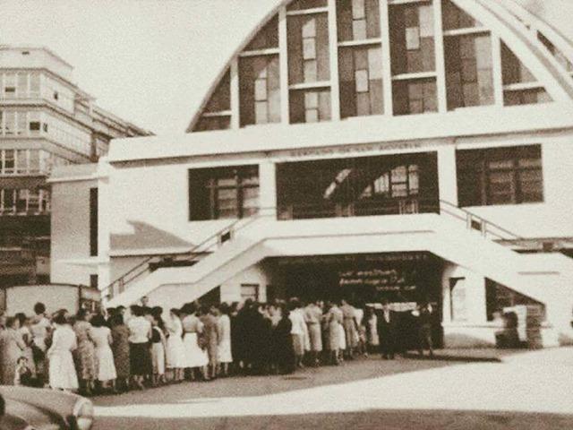 Inauguración del supermercado en el Mercado de San Agustín
