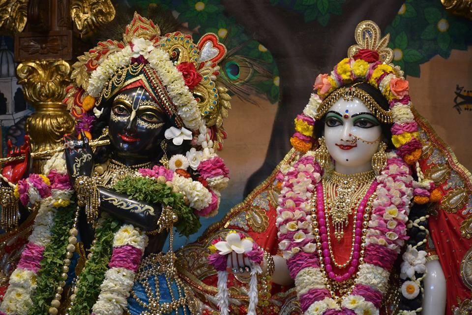 ISKCON Ujjain Deity Darshan 04 April 2016  (1)