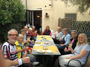 """Photo: Boxenstopp in Arqua Petrarca, in der """"Enoteca di Arqua"""", einer önologischen Theke mit leckerem Spritz nach Euganäischer Art."""