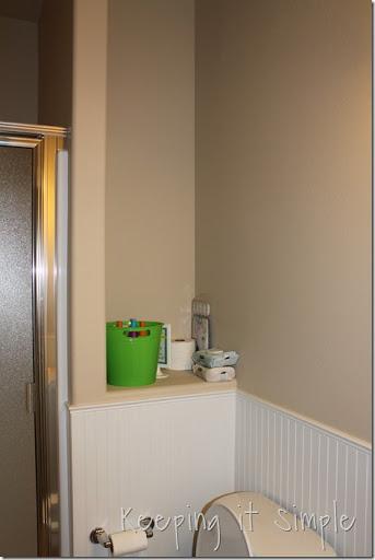 Beautiful DIY Shelves For A Small Bathroom