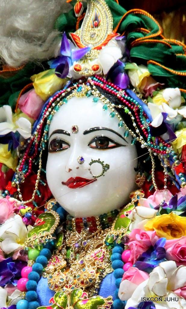 ISKCON Juhu Sringar Deity Darshan on 29th April 2016 (8)