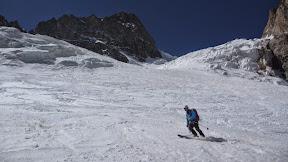Descente sur le glacier de l'Homme