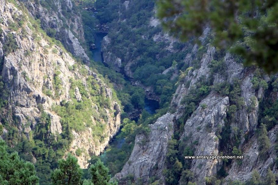 Altınbeşik Mağarası Yolu
