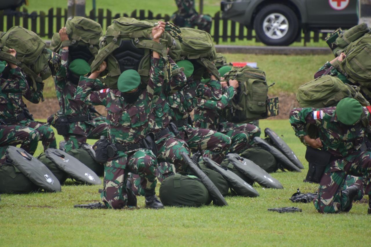 Waasops Panglima TNI Cek Kesiapan Pemberangkatan Satgas Yonif 611/Awl ke Perbatasan RI-PNG