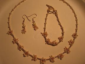 v style pearl set with bracelet, $ 10.00