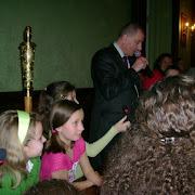 Dzieci zKlubu obok Prezydenta Miasta Wroclawia.jpg