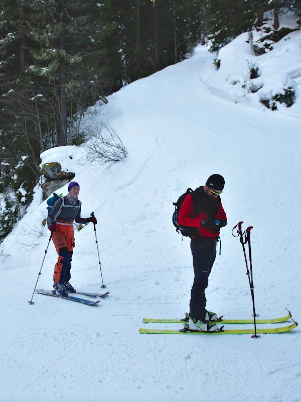 Serpentine abrupte pe ski-route-ul care ar trebui sa ne urce pana la Weisssee.