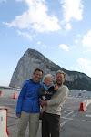 Met zijn drieen voor de rots van Gibraltar