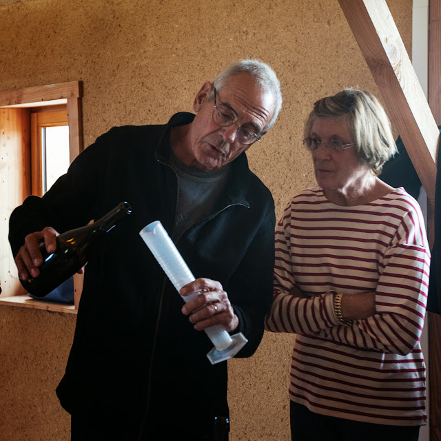 Assemblage des chardonnay milésime 2012. guimbelot.com - 2013%2B09%2B07%2BGuimbelot%2Bd%25C3%25A9gustation%2Bd%25E2%2580%2599assemblage%2Bdu%2Bchardonay%2B2012%2B123.jpg