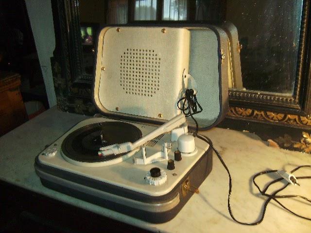 teppaz ancien lectrophone tourne disque claude paz visseaux. Black Bedroom Furniture Sets. Home Design Ideas