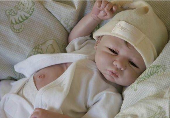 Gerçek Gibi Görünen oyuncak Bebekler