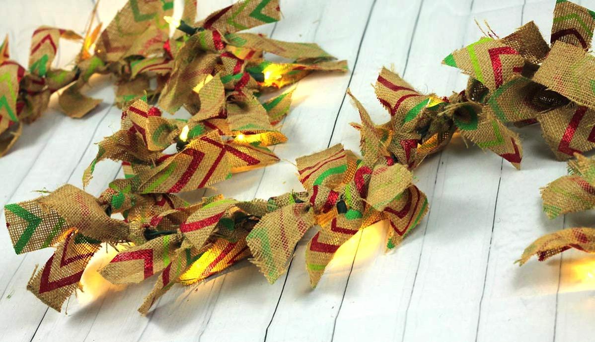 Burlap lighted garland