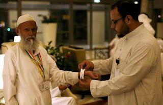 A La Mecque, le pèlerinage à coups de clics, tweets et gadgets.
