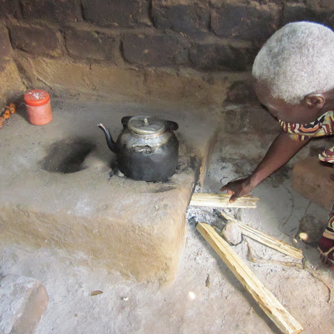 An Energy-saving Stove which uses 1/3 of the wood that an open fire does