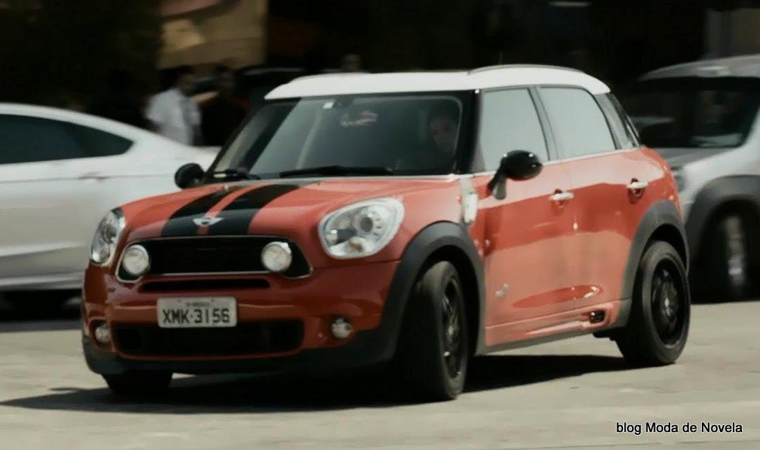 moda da série Felizes Para Sempre? - carro esportivo da Danny Bond