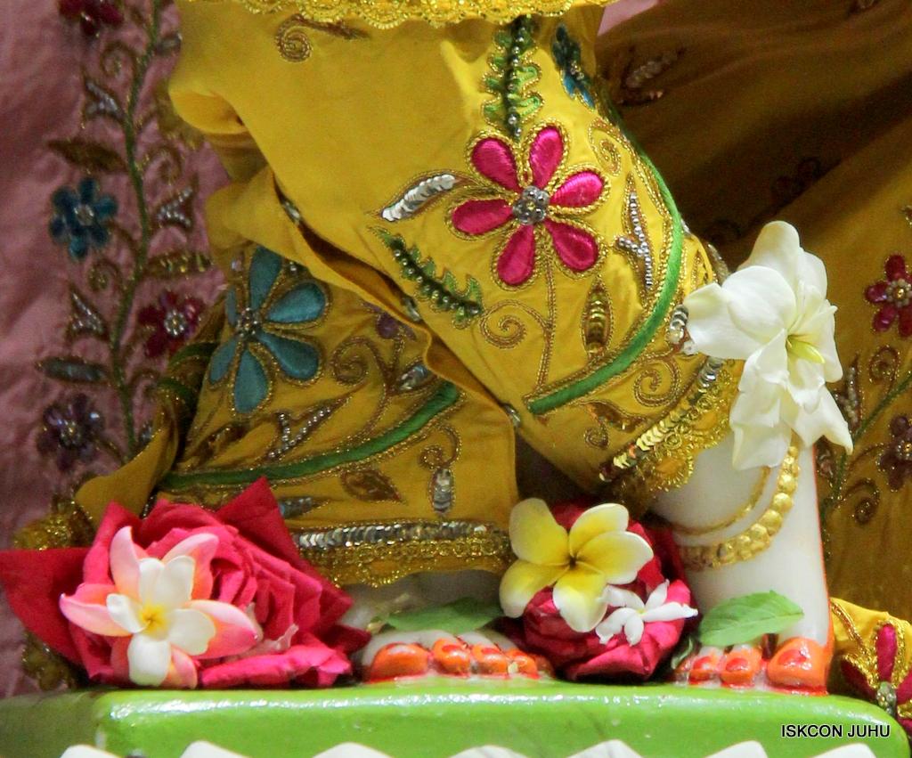 ISKCON Juhu Mangal Deity Darshan on 18th Jan 2017 (26)