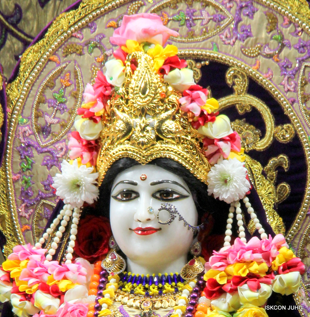 ISKCON Juhu Sringar Deity Darshan on 22nd Oct 2016 (20)