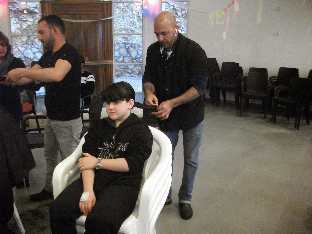 Donating hair for cancer patients 2014  - 1504363_539677056148592_1931187093_o.jpg