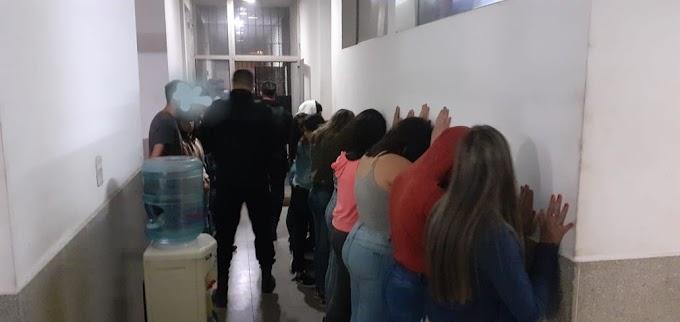 Más de 150 personas en una fiesta clandestina en Vgg