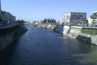 Asi Nehri - Hatay Meşhur ters aktığı iddia edilen nehir.jpg