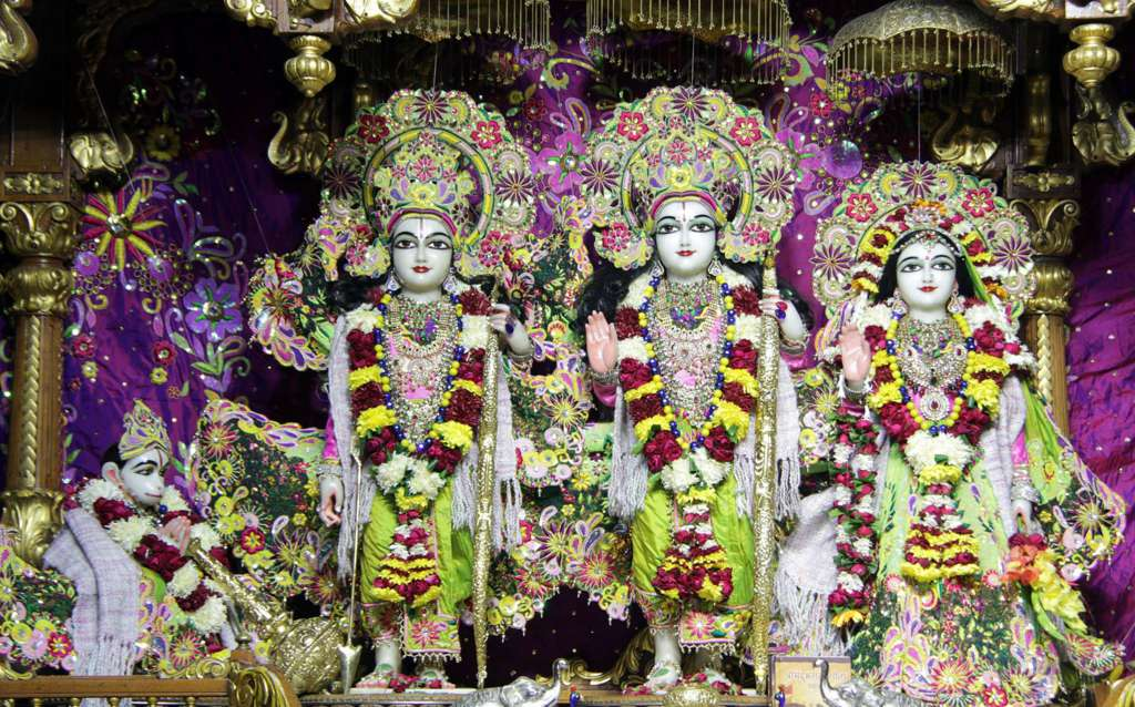 ISKCON Delhi Deity Darshan 18 Dec 2015 (1)
