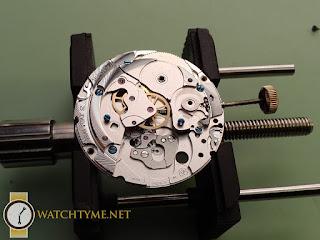 Watchtyme-Junhans-Meister-Calendar-2015-09-014