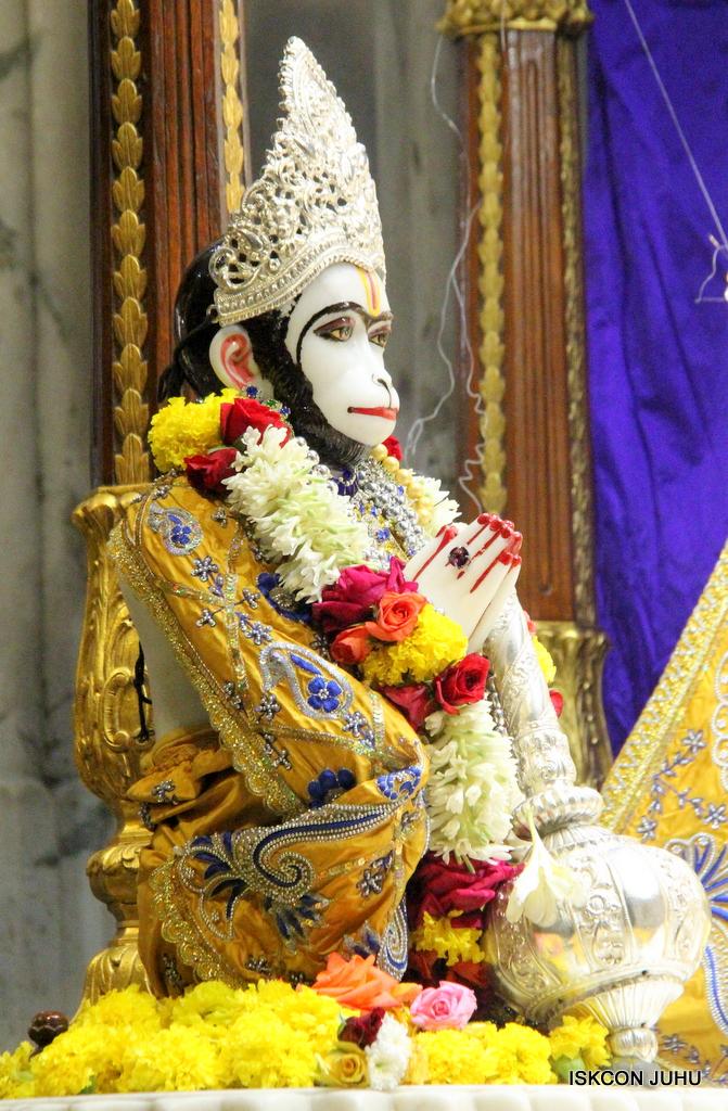 ISKCON Juhu Sringar Deity Darshan on 7th Sep 2016 (84)