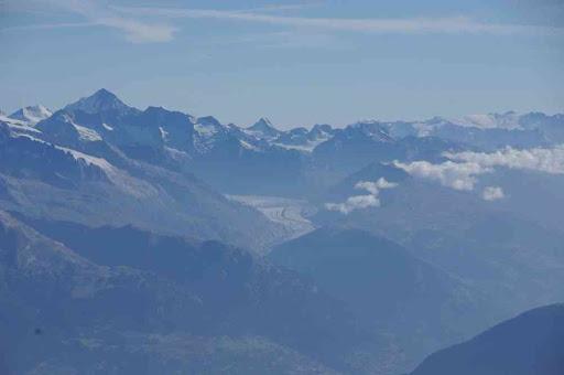Le glacier d'Aletsch, le Finsteraarhorn à gauche
