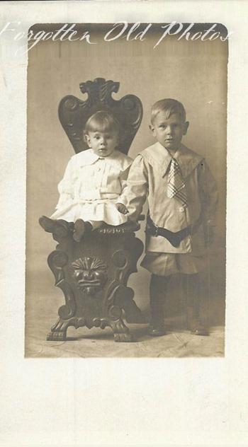 Two kids Flea MKt GR