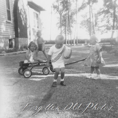 Girl and wagon DL antthree