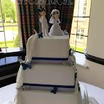 Double sided wedding cake 4.JPG