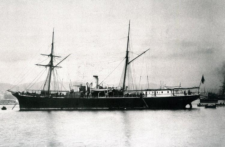 El vapor LEGAZPI. Foto del libro Buques de la Armada española a través de la fotografia. (1849-1900). Foto Biblioteca Nacional.jpg