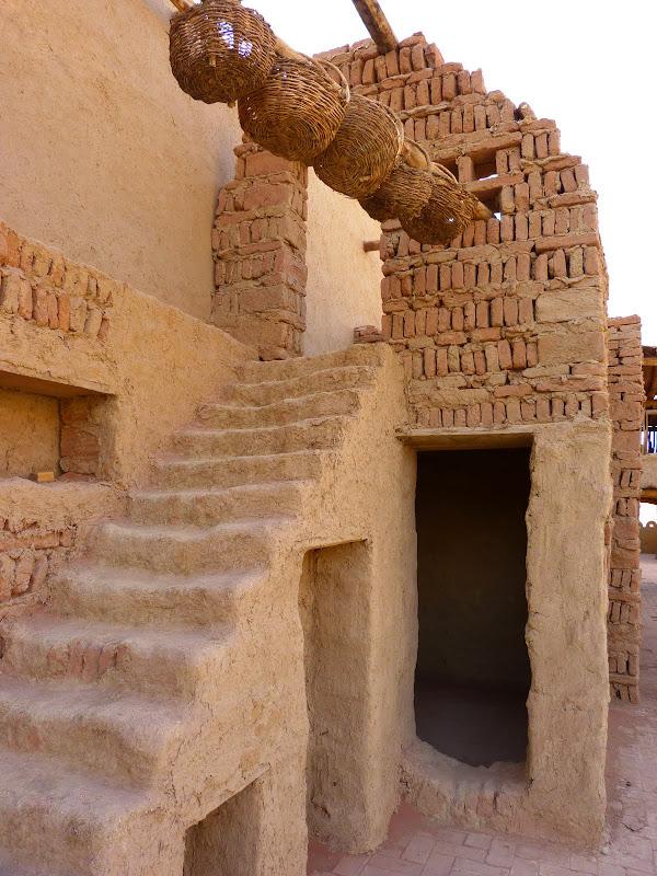 XINJIANG.  Turpan. Ancient city of Jiaohe, Flaming Mountains, Karez, Bezelik Thousand Budda caves - P1270945.JPG
