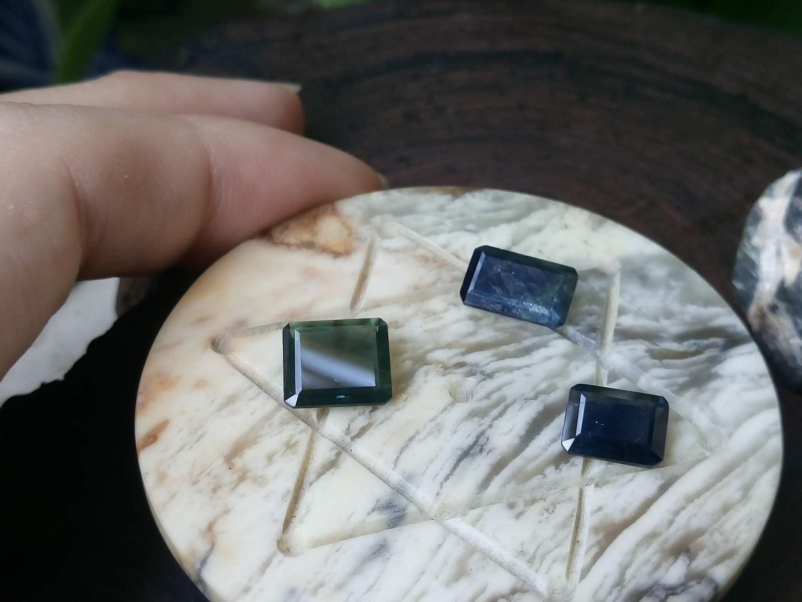 Đá Sapphire thiên nhiên xanh Hero và xanh lục