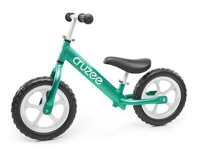 Xe tập thăng bằng Cruzee màu xanh lá cây