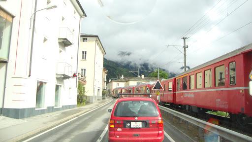 Bernina Pas (trein in de straat)