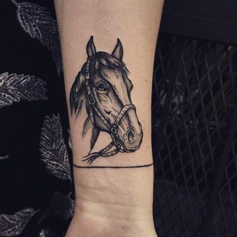 pequeno_detalhadas_cabeça_de_cavalo_tatuagem