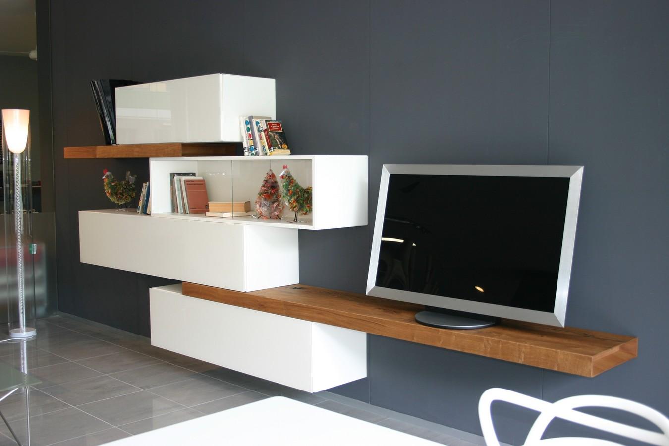 Credenza Con Vetrina Ikea : Soggiorno moderno con vetrina soggiorni moderni camini