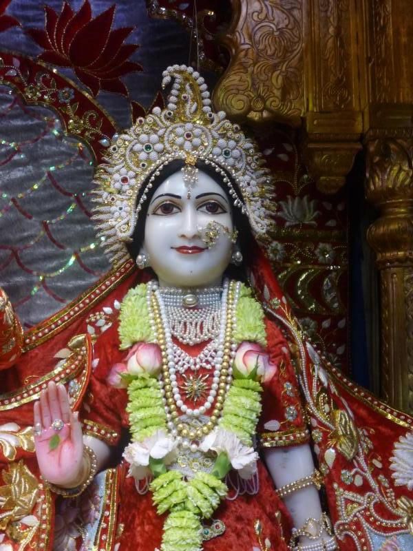 ISKCON Bhaktivedanta Manor Deity Darshan 18 Dec 2015 (3)