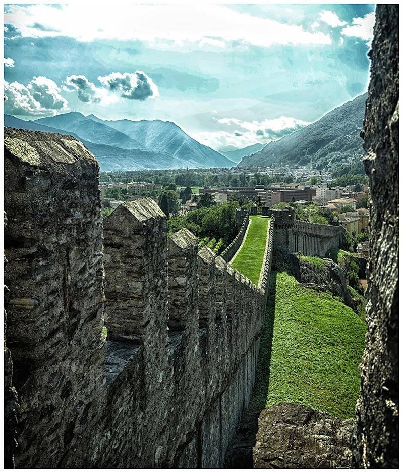 Le possenti mura perimetrali... di luly972