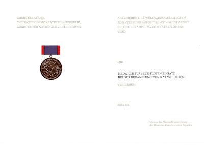 163 Medaille für selbstlosen Einsatz bei der Bekämpfung von Katastrophen www.ddrmedailles.nl