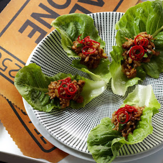 Spicy Asian Lettuce Snacks with Chicken.